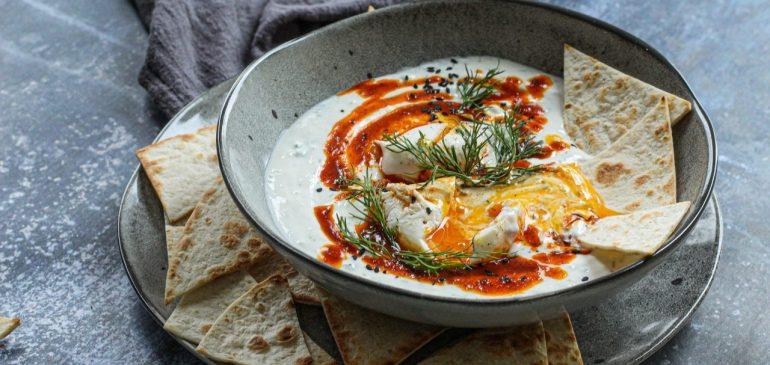 CILBIR – poširana jaja na turski način