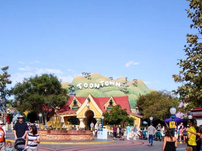 Disneyland California ou Disney Orlando | Malas e Panelas