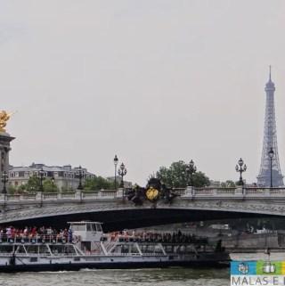 Paris: passeio no Sena com o Batobus