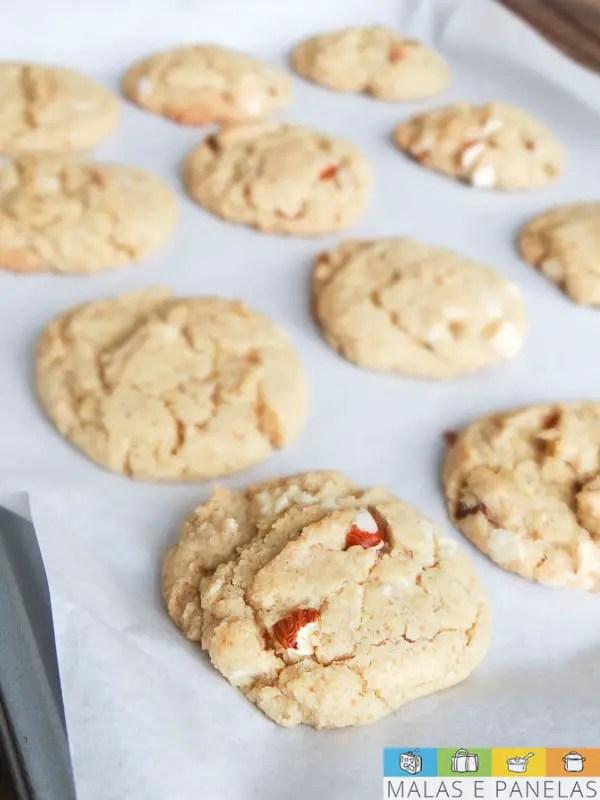 Cookies de Amêndoa e Chocolate Branco