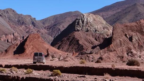 Valle Arcoiris e Petroglifos