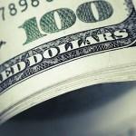 Preciso cancelar uma viagem ao exterior devido à alta do dólar?