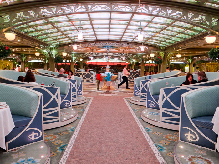 Restaurante Enchanted Garden - Cruzeiro Disney Dream