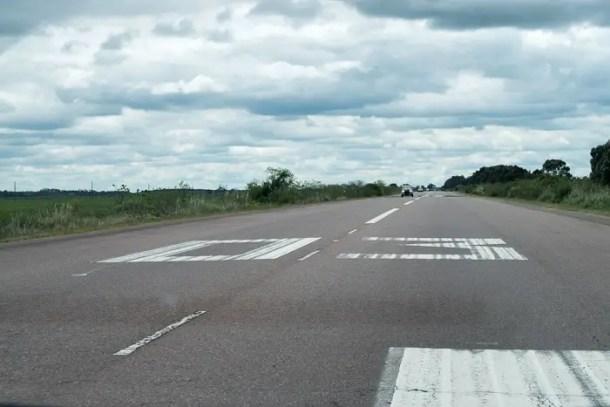 Que tal dirigir em uma pista de pouso de aviões??