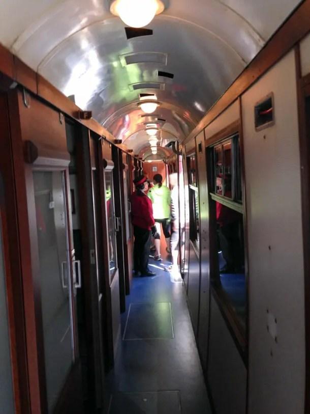 dentro do Hogwarts Express