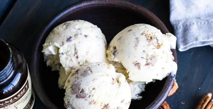 Sorvete de nozes amanteigadas (Butter Pecan Ice Cream)