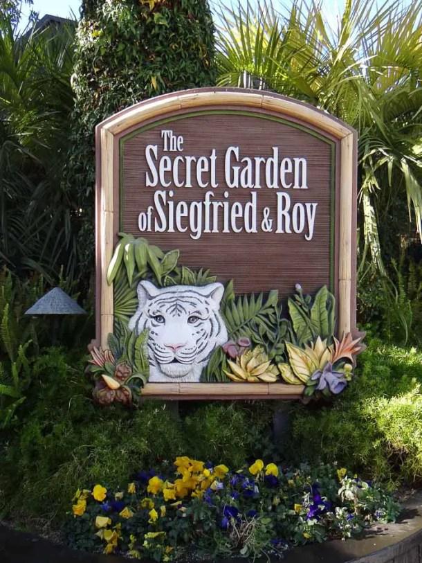 Siegfried and Roy's Secret Garden and Dolphin Habitat