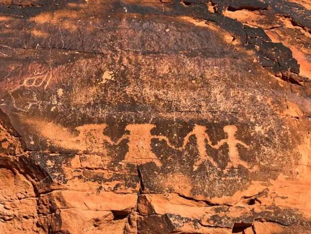 Petroglifos na Mouse's Tank Trail