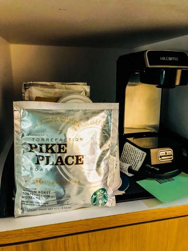 Café Starbucks no quarto no Sheraton Miami Airport