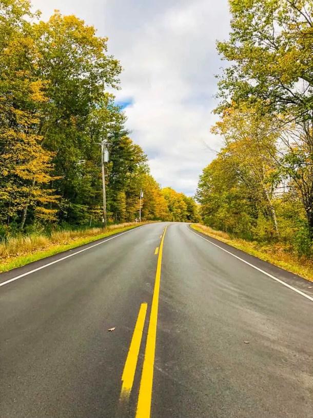 Estrada em Maine