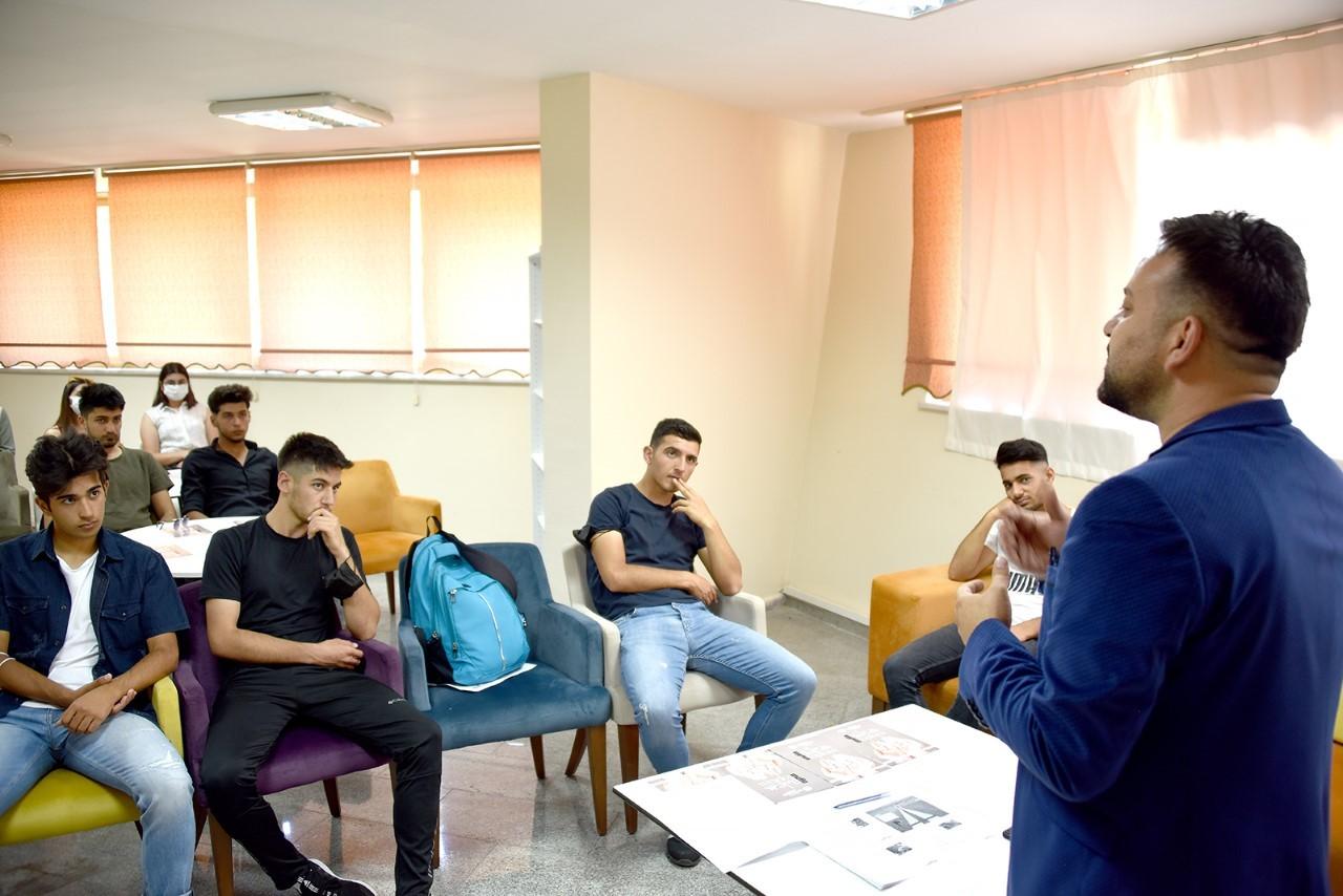 Malatya Büyükşehir'den üniversite adaylarına moral-motivasyon desteği