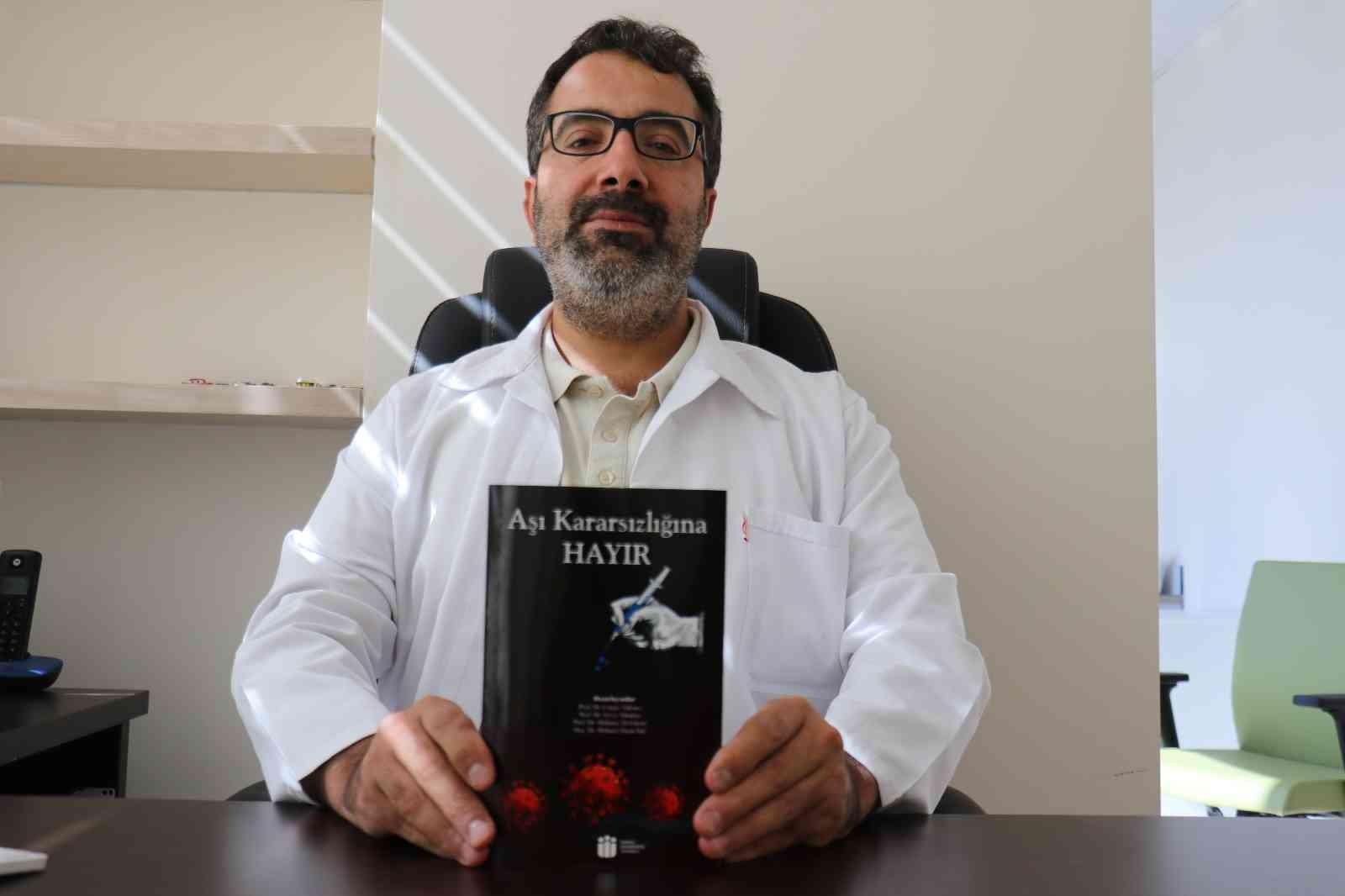 Bilim insanlarından aşı kararsızlığına karşı farkındalık kitabı