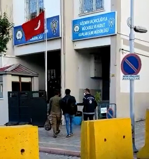 Malatya'da kamyonet kasasında düzensiz göçmenler yakalandı