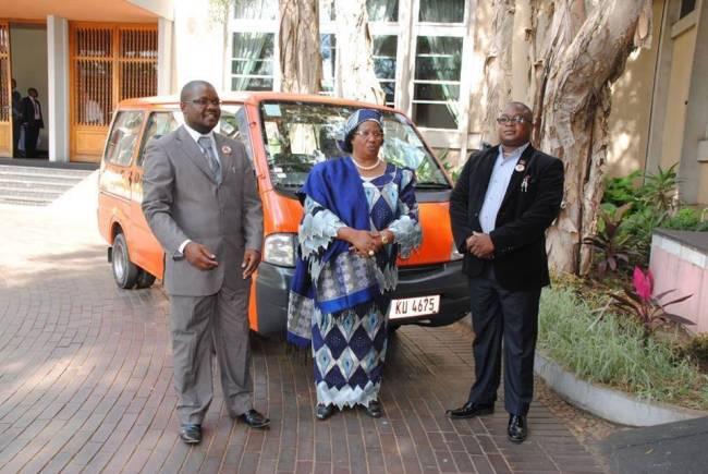 Joyce Banda, Oswald Lutepo