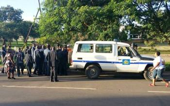 Malawi Police set up Roadblock at Parliament to Arrest Kabwila