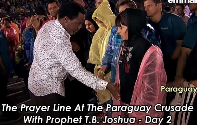 Video: T B  Joshua shocks the world: Hits a woman on her pr*ivate