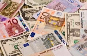 Ringgit dibuka tinggi berbanding dolar US pagi ini berikutan pengambilan untung terhadap mata wang Amerika Syarikat (AS) itu.