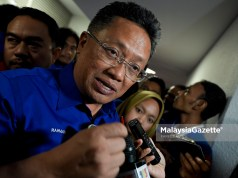 Bekas Menteri di Jabatan Perdana Menteri, Datuk Seri Abdul Rahman Dahlan menyatakan sokongan penuh kepada Khairy Jamaluddin Abu Bakar yang membuat keputusan untuk bertanding jawatan presiden UMNO.