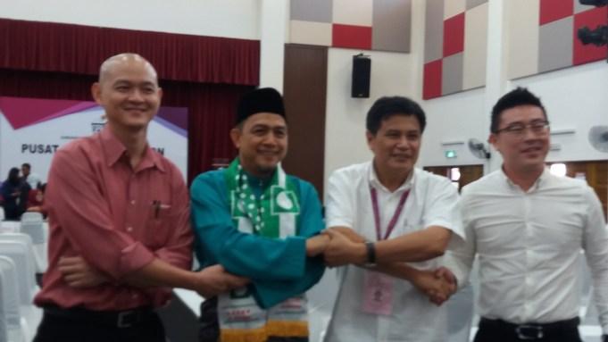 Dari kiri: Dr. Ong Kian Ming, Mohd Shafie Ngah, Liew Yuen Keong dan Dennis Wan Jinn Woei menyerahkan borang penamaan calon kerusi Parlimen Bangi.