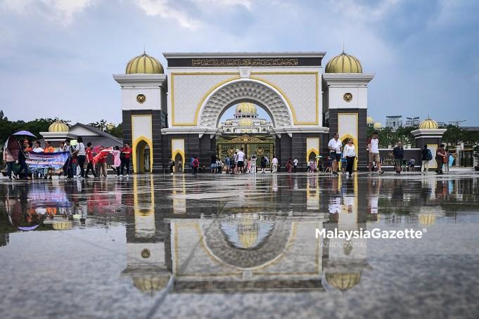 Penyimpan Mohor Besar Raja-Raja Tan Sri Syed Danial Syed Ahmad berkata warkah persilaan untuk perbincangan khas di Istana Negara itu telah dikeluarkan pada 1 Jun kepada Raja-Raja Melayu.