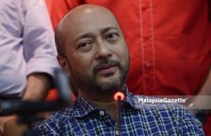Menteri Besar Kedah Datuk Seri Mukhriz Tun Dr Mahathir menang tanpa bertanding jawatan Presiden Persatuan Bola Sepak Kedah (KFA) bagi penggal 2018.
