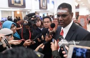 Ahli Parlimen Jelutong, R. Sanisvara Nethaji Rayer bercakap kepada media ketika hadir pada Sidang Dewan Rakyat di Bangunan Parlimen, Kuala Lumpur. foto SYAFIQ AMBAK, 07 OGOS 2018
