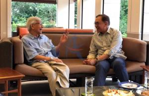 Datuk Seri Anwar Ibrahim mengadakan pertemuan dengan Tun Daim Zainuddin bagi membincangkan agenda ekonomi negara.