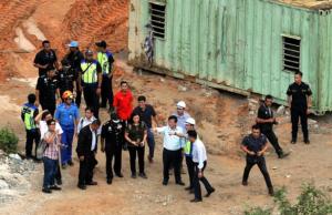 Tiada kerja-kerja pembinaan dijalankan di tapak pembinaan projek Lebuhraya Berkembar Bukit Kukus ketika kejadian tanah runtuh di Jalan Bukit Kukus, Paya Terubong dekat sini hari ini, kata Ketua Menteri Pulau Pinang Chow Kon Yeow.