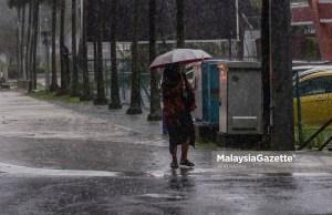 Jabatan Bomba dan Penyelamat Malaysia (JBPM) telah mengarahkan balai-balai membuat pemantauan dan rondaan di pesisir pantai bagi memastikan keadaan sekitar selamat dan tindakan operasi menyelamat dapat berjalan dengan pantas sebagai persiapan menghadapi ribut tropikal Siklon.