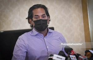 Coordinating Minister of the National Covid-19 Immunisation Plan (PICK) Khairy Jamaluddin Abu Bakar. PIX: MalaysiaGazette AstraZeneca vaccine vaccination senior citizens registration