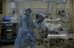 (Picture for representational purposes only). Covid-19 patients are being treated at the Tengku Ampuan Rahimah Hospital at Klang, Selangor. PIX: AFFAN FAUZI / MalaysiaGazette / 11 JULY 2021.