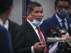 Bekas Menteri Pertahanan, Mohamad Sabu bercakap pada sidang media mengenai pendedahan senarai 101 projek rundingan terus oleh Tengku Datuk Seri Zafrul Abdul Aziz di Bangunan Parlimen, Kuala Lumpur. foto HAZROL ZAINAL, 27 OGOS 2020.