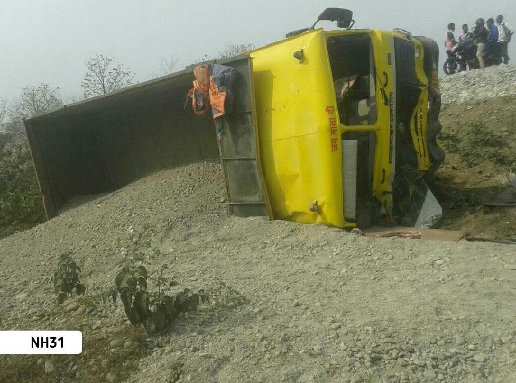 NH31-Truck-Accident3.jpg