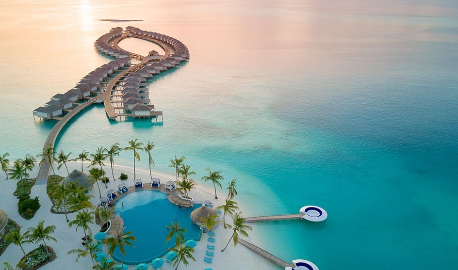 30 new photos of 3km long Maldives resort