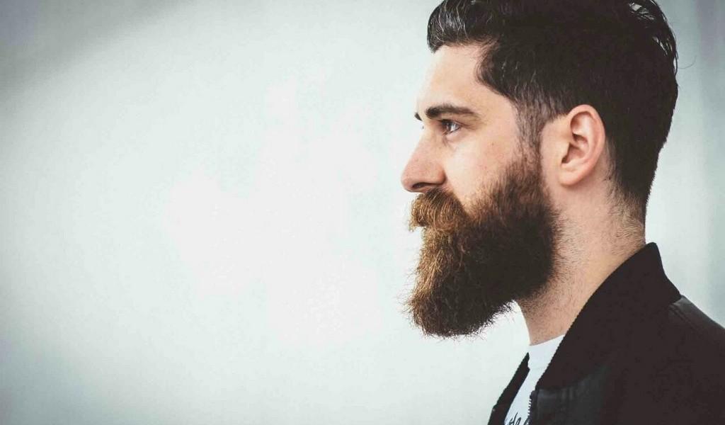 Comment utiliser huile et baume à barbe ensemble ?