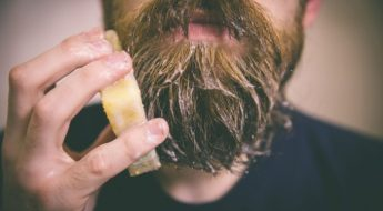 nettoyer sa barbe