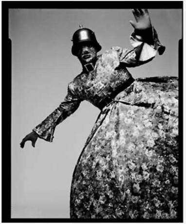 Leigh Boery fotografato da Fergus Greer
