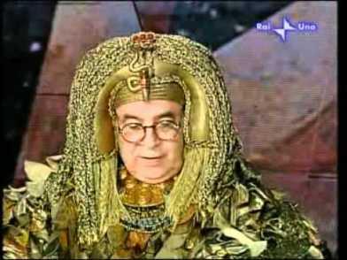 Gianni Boncompagni as Cleopatra Carramba che fortuna (2008) with his muse Raffaella Carrà