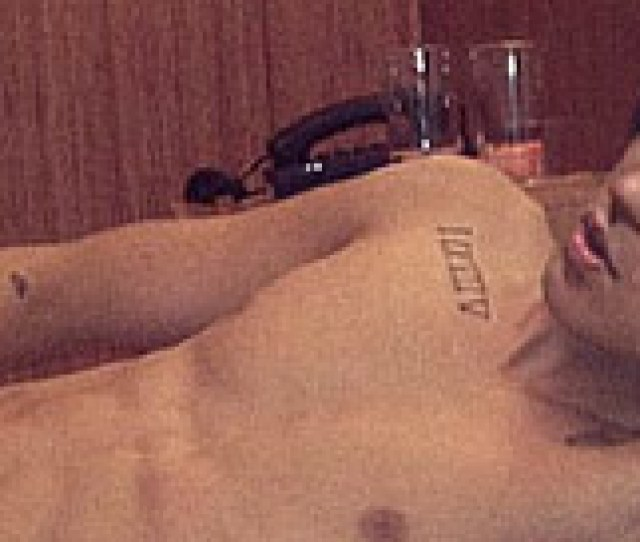 Justin Bieber Nude Shots Theres Not A More Popular Young Male Celebrity