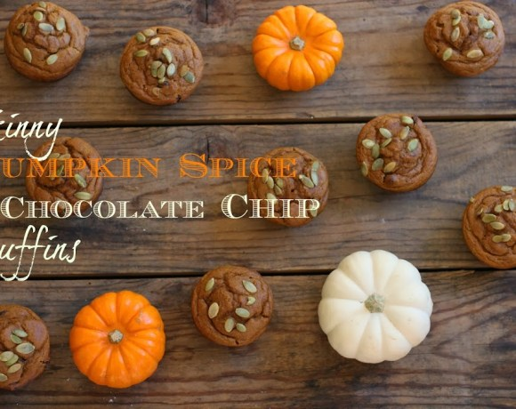 skinny pumpkin spice + chocolate chip muffins