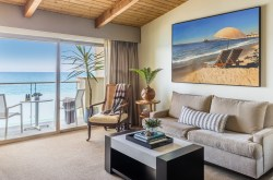 Malibu Beach Inn – Oceanfront Hotel Living Room