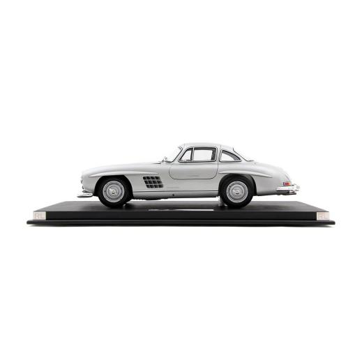 Mercedes Benz 300SL Coupe Limited Edition Model Car