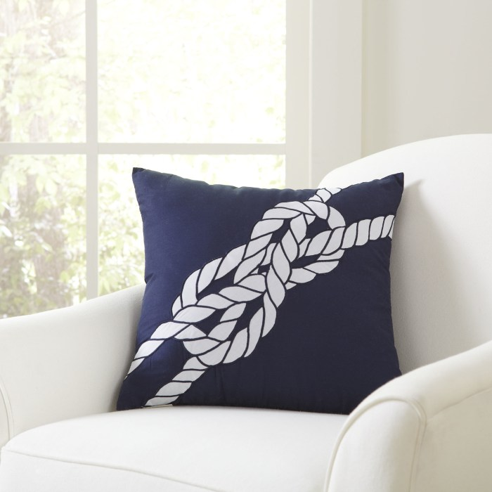 Single Bowline Pillow Cover