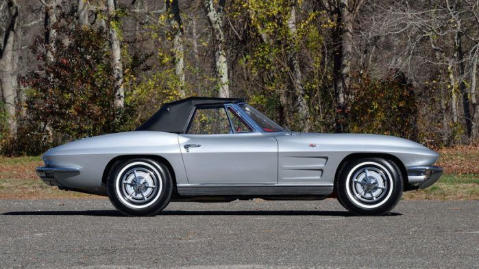 1963 Chevrolet Corvette Convertible Classic Sports Car