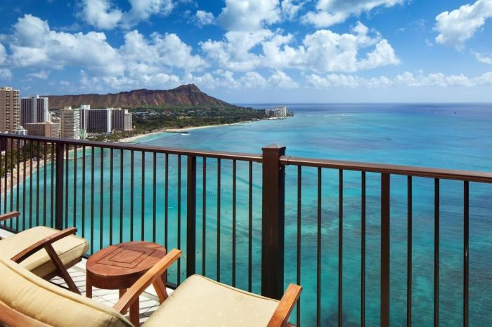balcony-view-from-the-sheraton-waikiki-beach-hotel-hawaii-honolulu-12-2-2016-1