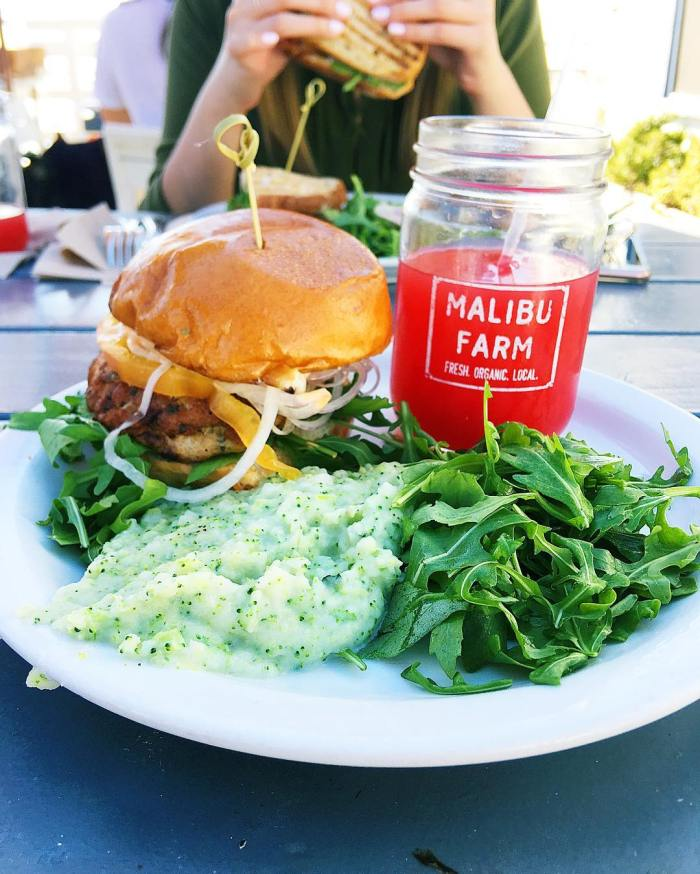 malibu-farm-cafe-burger-mason-jar-juice-by-imaginekpl-12-1-2016-1
