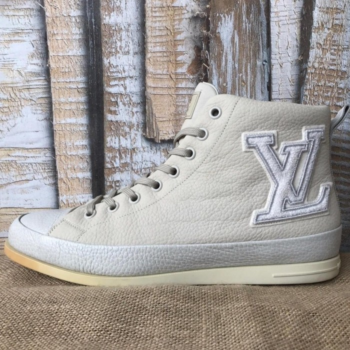 LOUIS VUITTON Beige Suede LV Logo Sz. 10.5 Men's High Top Sneakers