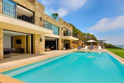 Malibu Vacation Rental: Beachfront Villa in Gated Community with Mountain Views, Heated Pool + H ...