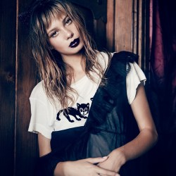Scaredy Cats No9Tee by Wildfox