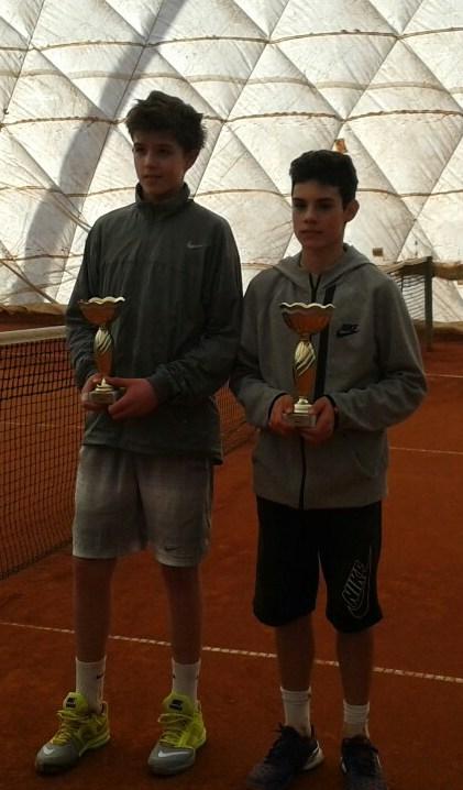 Jovan Vučić i Dušan Obradović, finalisti Dvoranskog prvenstva Vojvodine u tenisu do 14 godina 2015, TK Elite